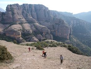 Photo: Pujant a la Roca del Corb amb Sant Honorat al fons
