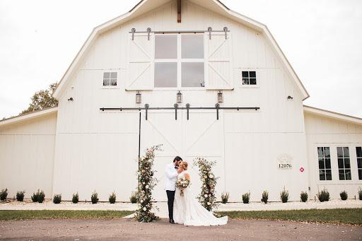 Wedding Inspiration: Peachy Dream Styled Shoot