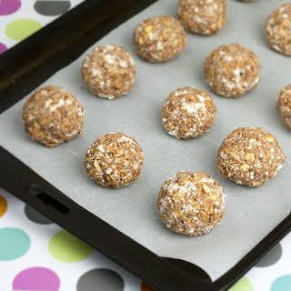 Almond Freezer Protein Balls.