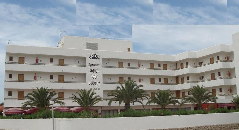 Apartamentos Bahia De San Antonio