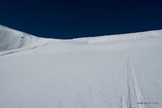 Photo: Вид назад. След от глиссирования фирнового склона на спуске с French Pass.