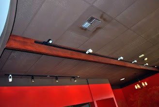 Photo: Sing Beams are the stylish choice for track lighting in your restaurant. They have a strong, lightweight torsion box sandwich panel core, just like Sing Honeycomb Panels. The veneer/foam core stays lightweight and straight. Sing Beams come with a ten year warranty.