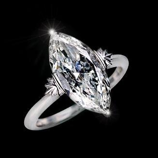 Кільце з діамантом