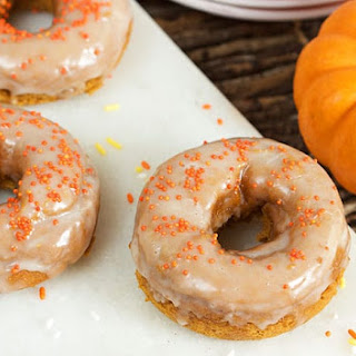 Two Ingredient Baked Pumpkin Spice Donuts Recipe