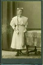 Photo: Prawdopodobnie Gertrud (Helena) Muller - Pierwsza Komunia.
