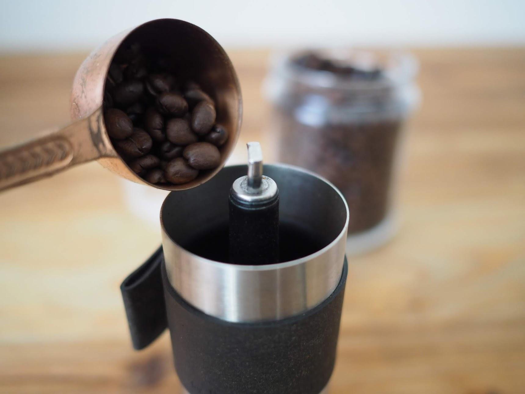 ポーレックスにコーヒー豆を投入する