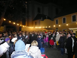Photo: Der Chor des Gesang- und Musikvereines Stockerau in voller Aktion.