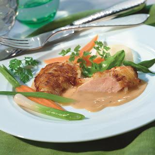 Hühnerschnitzel mit Pfeffer Sauce, Lauch und Speck