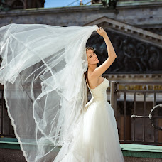 Wedding photographer Alina Ovsienko (Ovsienko). Photo of 15.11.2017