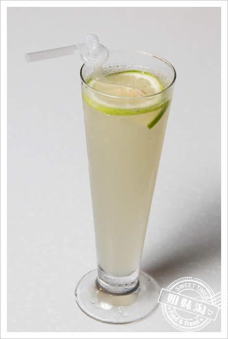 家蒂諾鐵板燒溫莎花園新鮮檸檬汁