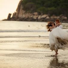 Wedding photographer Mino Mora (minomora). Photo of 11.12.2014