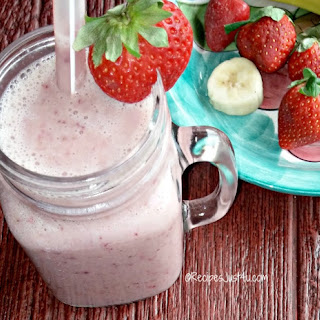 Skinny Strawberry Banana Smoothie.