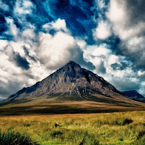 Glen co on route to Ben Nevis by Peter Wyatt - Landscapes Mountains & Hills