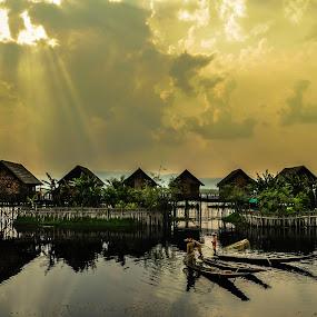 Ba chang ngu lam 2 by Nguyen Thanh Cong - Landscapes Waterscapes ( myanmar, congdolce@gmail.com, nguyen thanh cong, waterscape, sunset, vietnamese, vietnam, landscape )