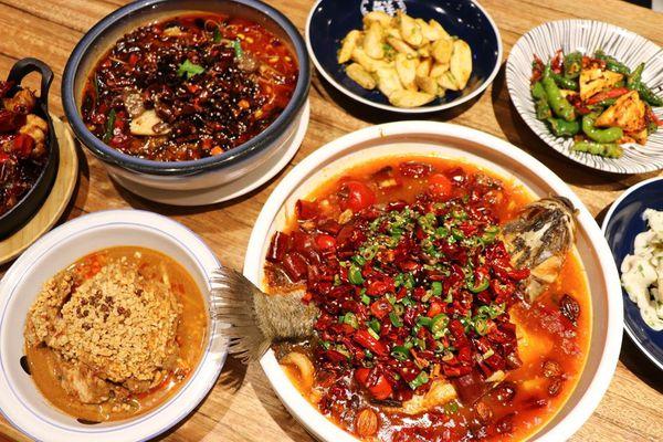 台中大遠百,香辣四川重慶料理,開飯川食堂,麻香辣川菜料理好開胃,很適合家人朋友聚餐!