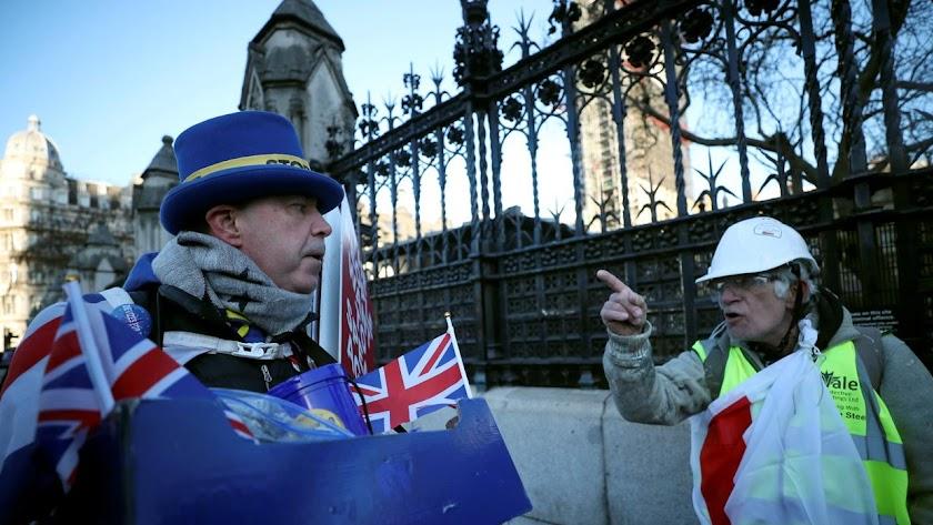 Los británicos están cada día más divididos ante la inminente salida de la Unión Europea.