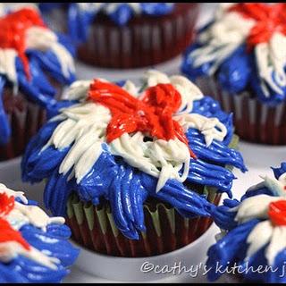 Magnolia's Red Velvet Cupcakes with Creamy Vanilla Icing