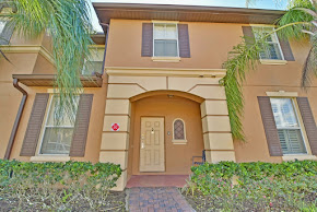 Front of Regal Palms townhome