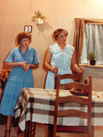 1982: Hoogheid, uw kameel staat voor
