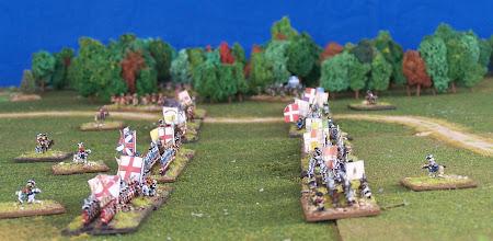 Photo: A sinistra l'esercito inglese, a destra quello francese.Miniature Baccus, materiale scenico autocostruito.