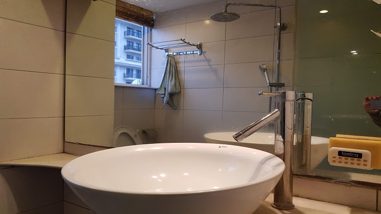 Very nice studio apartment with garden in Tran Hung Dao street, Hoan Kiem district for rent