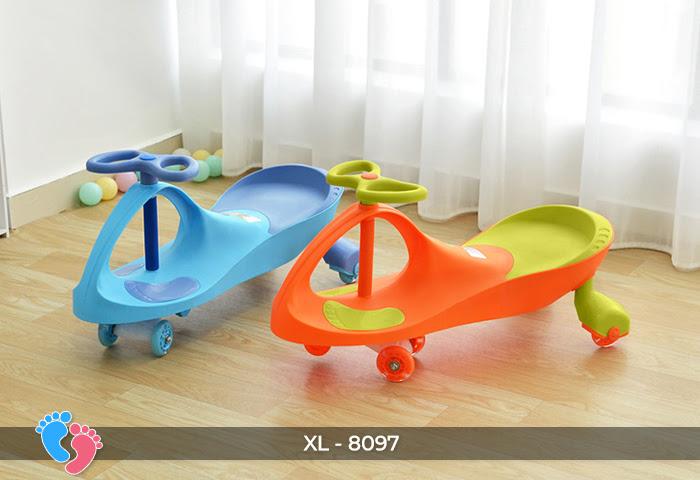 Xe lắc tay trẻ em 8097 8