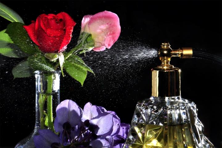 Chanel n5..rose..glicine... di AlfredoNegroni