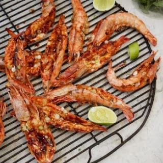 Barbecued king prawns with Korean-style chilli sauce