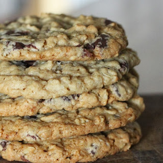 Copycat Potbelly Oatmeal Chocolate Chip Cookies