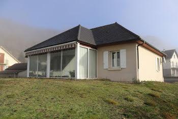 maison à Champs-sur-Tarentaine-Marchal (15)