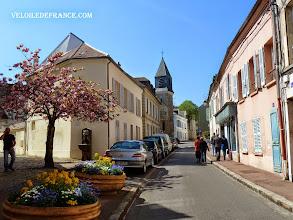 Photo: Le vieux village de Viroflay -e-guide balade à vélo de Meudon au Château de Versailles par veloiledefrance.com