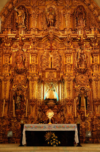 altar-Rosario-Mazatlan.jpg - The altar in Our Lady of the Rosary in El Rosario, south of Mazatlan, Mexico.