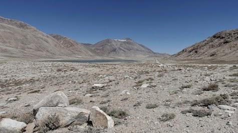 Der Khargush-See kurz vor dem gleichnamigen 4344m hohen Pass.