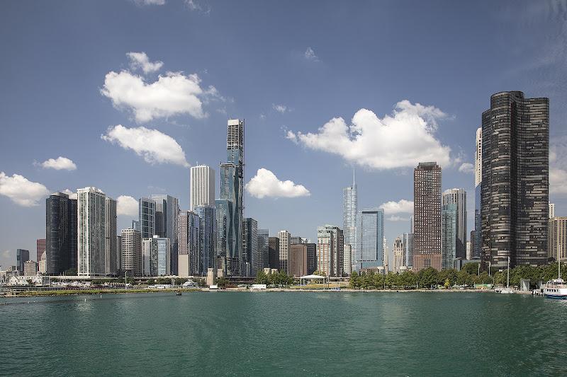 Chicago Skyline dal lago Michigan  di dome_pe