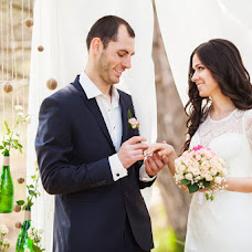 Wedding photographer Alesya Kharchenko (Alesya2803). Photo of 27.04.2015