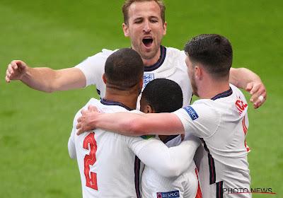 Engeland wint in een wedstrijd met twee gezichten van Tsjechië