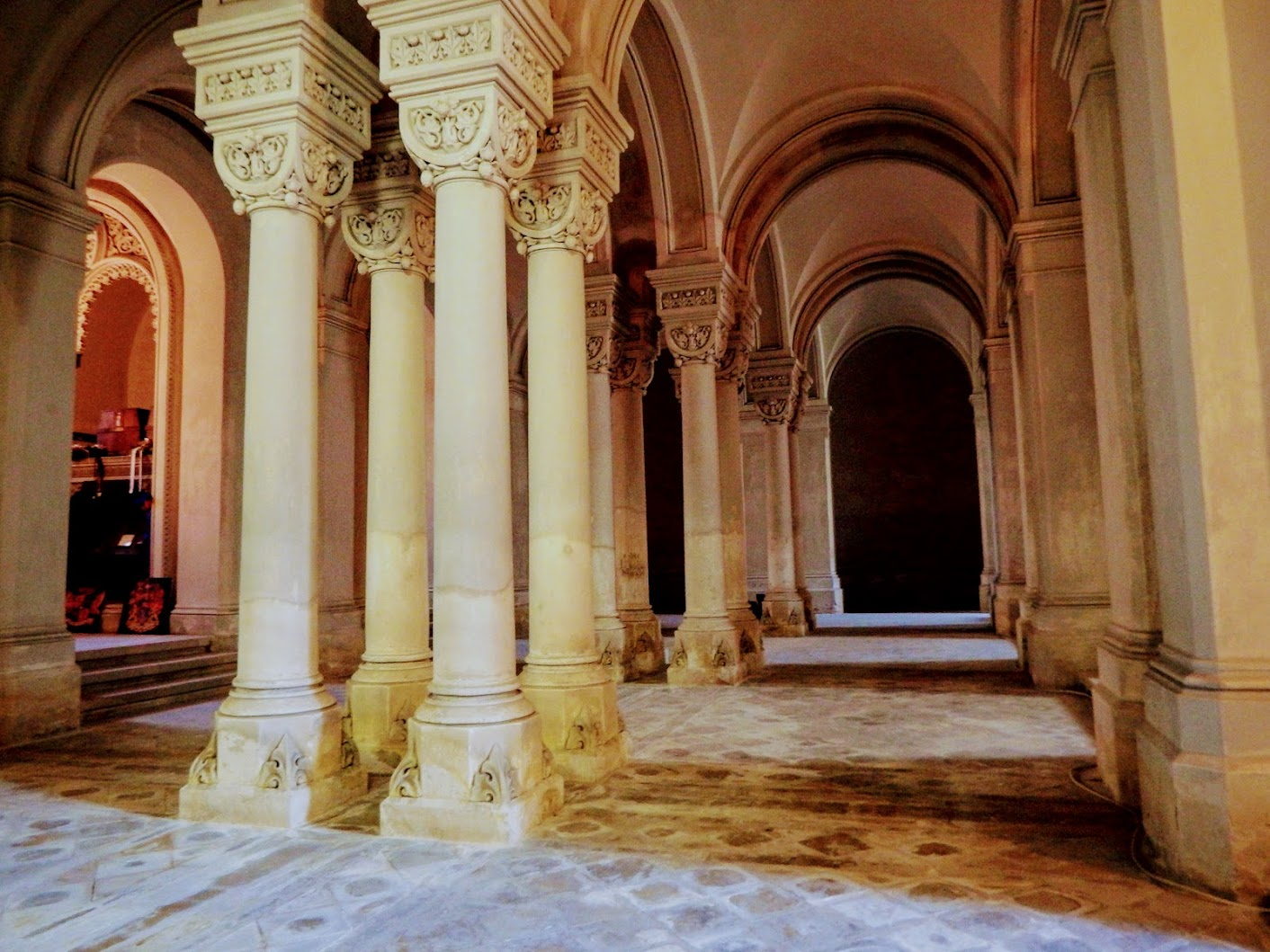 Fót - Szeplőtelen fogantatás rk. templom - altemplom és Károlyi-kripta