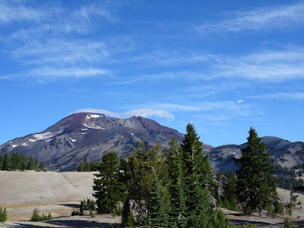 South Sister looks sooo close, but it is still a piece of work