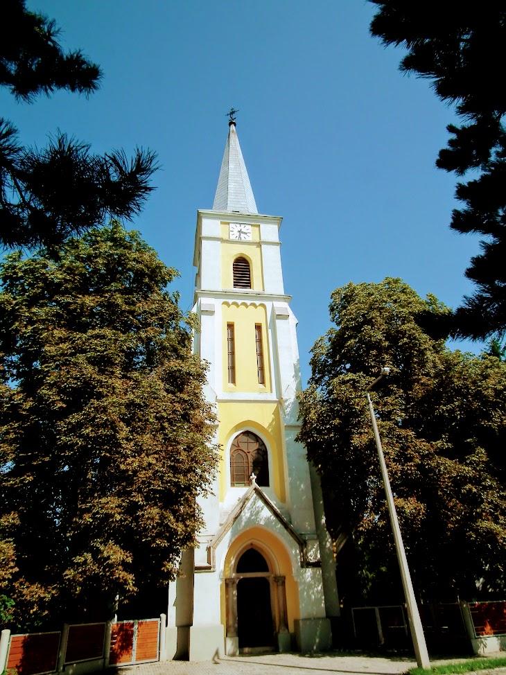 Sárbogárd - helyi URH-FM adóállomás