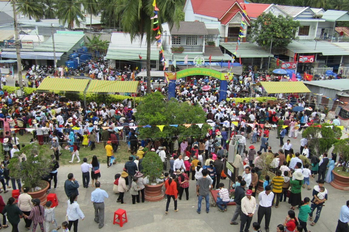 Ngày Hành Hương Mừng Bổn Mạng Giáo Phận Long Xuyên, tại GX Hòn Chông - Ảnh minh hoạ 13