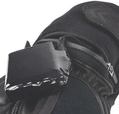 SealSkinz Waterproof Heated Cycle Gloves alternate image 0