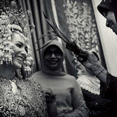 Wedding photographer Widi Muwardi (muwardi). Photo of 13.02.2014
