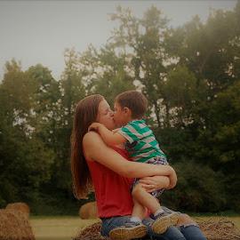 Cousins by Jessica Rose - Babies & Children Toddlers ( love, kisses, cuteness, littlecousin, family, cousins,  )