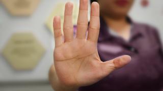 primer plano de la palma de una mano