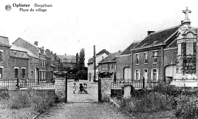 Figuur 22: Het Genovevaplein voor de tweede wereldoorlog, gezien vanuit het kerkhof.