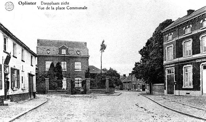 Figuur 23: Het Genovevaplein voor de oorlog, met rechts het Gemeentehuis uit 1855.