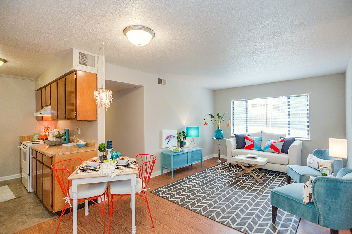 Redwood 2 Bed 1 Bath   Forest Pointe Apts in Durham  NC. 1 Bedroom Apartments In Durham North Carolina. Home Design Ideas