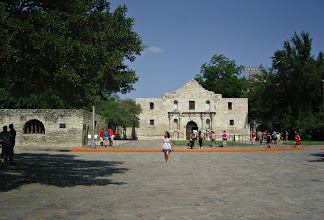 Photo: Bus by the Alamo