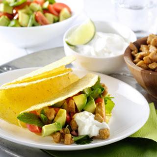 Frisse Taco's Met Kalkoen En Een Avocado- En Tomatensalade