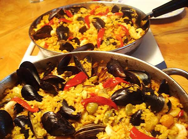Spanish Seafood Paella / Paella De Mariscos Recipe